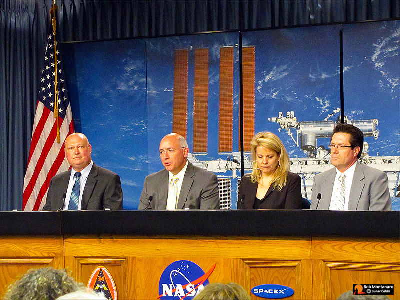 starting from left the nasa public affairs officer then mike suffredini nasa program manager international space station johnson space center